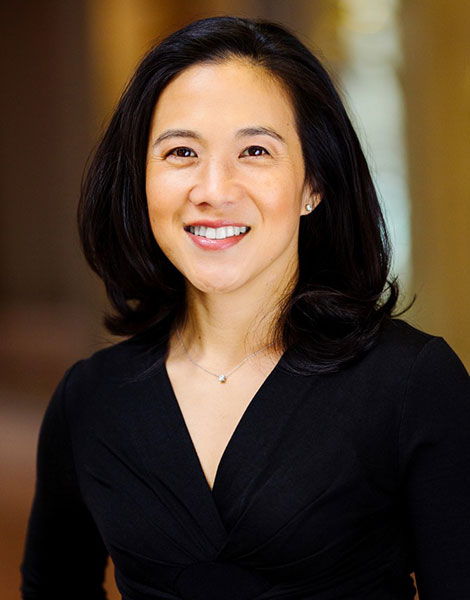 Portrait shot of Angela Lee Duckworth
